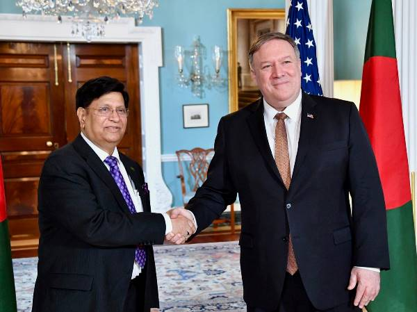Foreign Minister Dr. A. K. Abdul Momen, M.P.​ and the then US Secretary of State Mike Pompeo